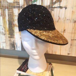 Other - HOT & CUTE Black & Gold sequin cap.